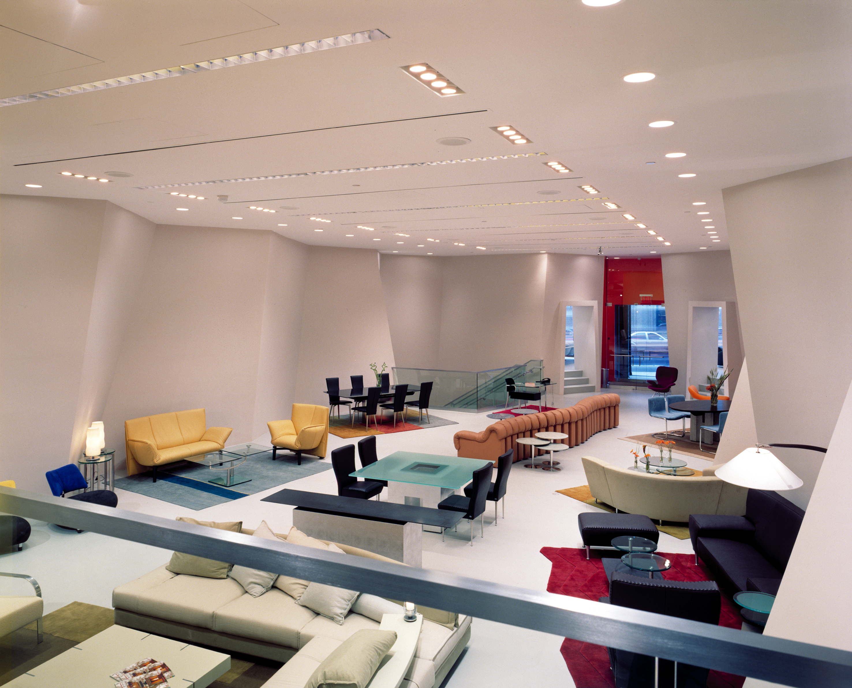File:DDC (Domus Design Collection) Showroom
