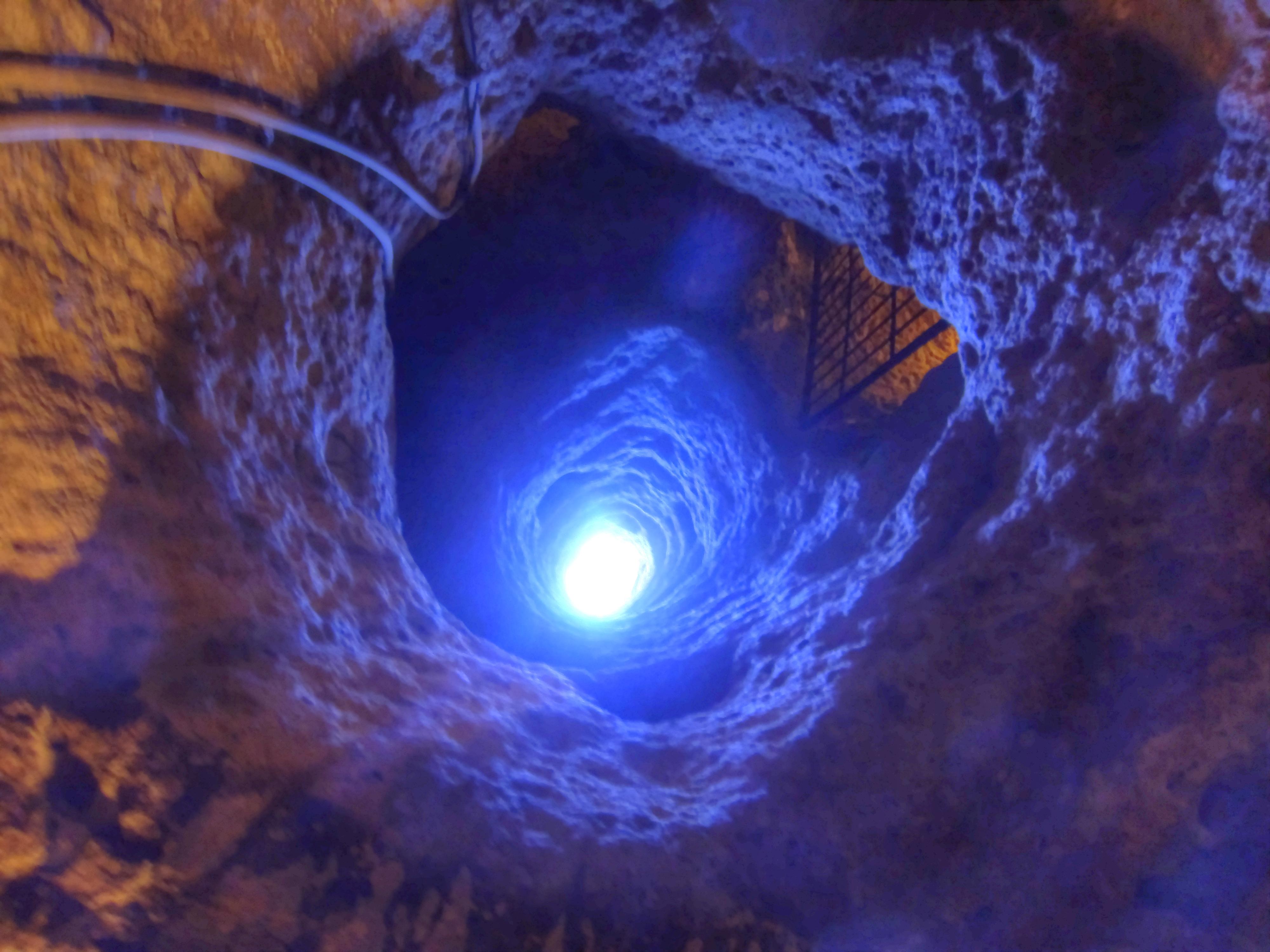 ... Derinkuyu Underground City 9834 Nevit Enhancer.jpg - Wikimedia Commons: commons.wikimedia.org/wiki/file:derinkuyu_underground_city_9834...