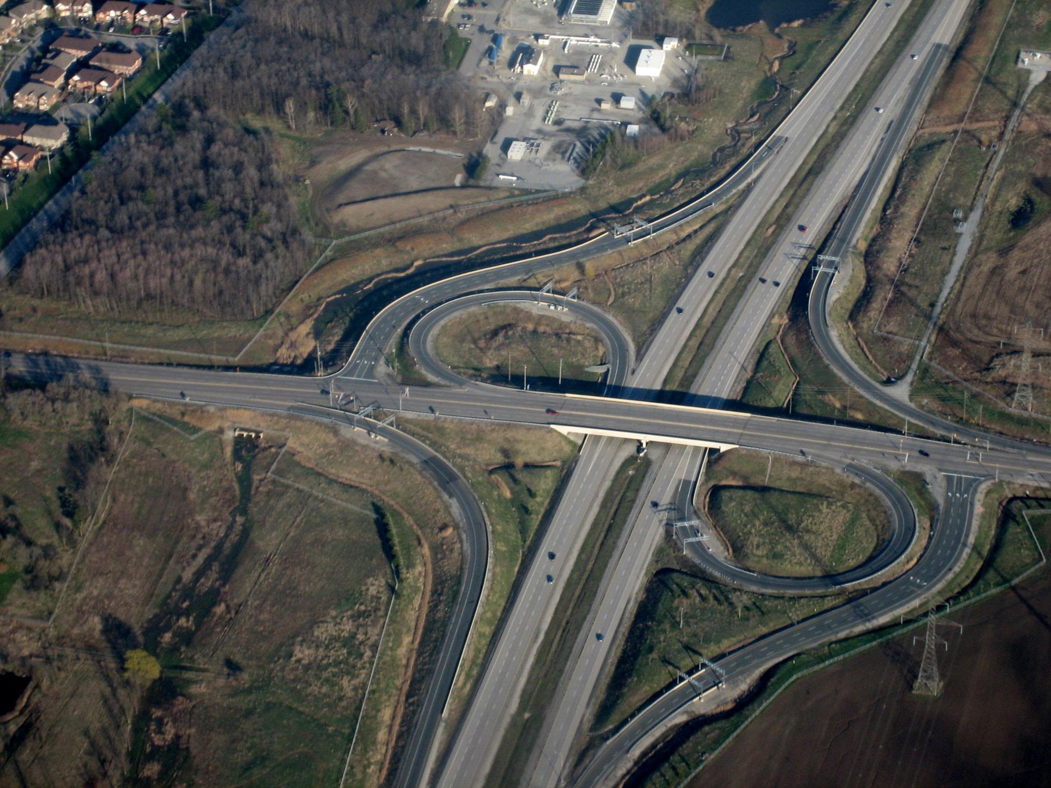 Partial cloverleaf interchange - Wikipedia