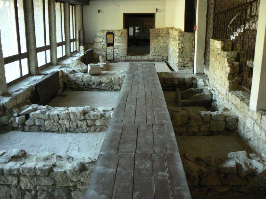 Devnia-mosaics-museum-inside-3.jpg