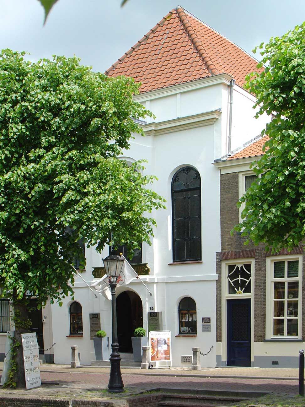 De voormalige synagoge in Schoonhoven, foto van Jan Lafeber