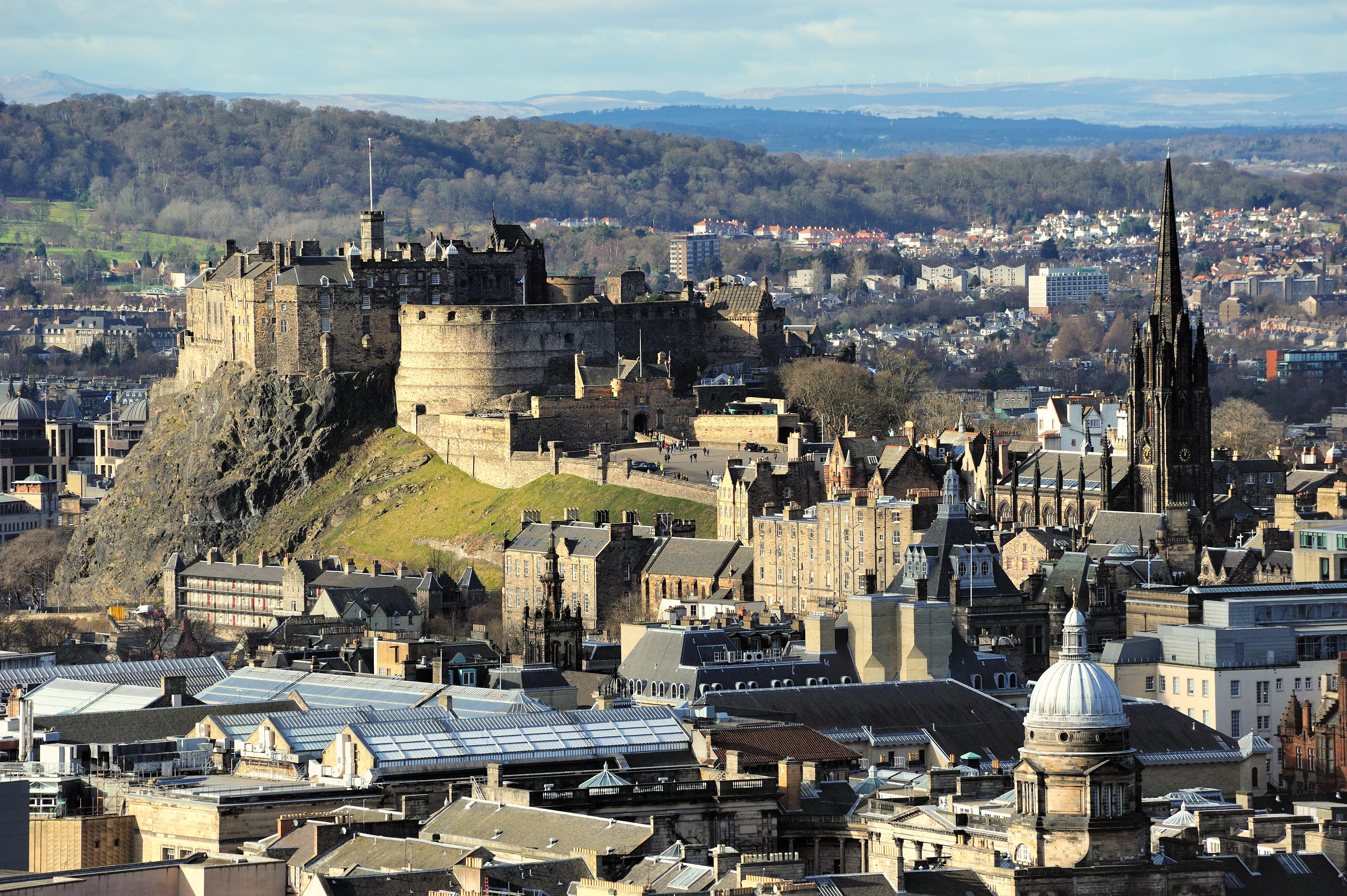 Edinburgh Castle Rock.jpg