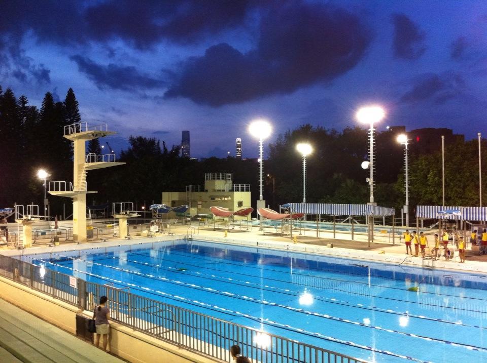 File Evening Victoria Park Swimming Pool Cwb Hk 02 Spet Wikimedia Commons