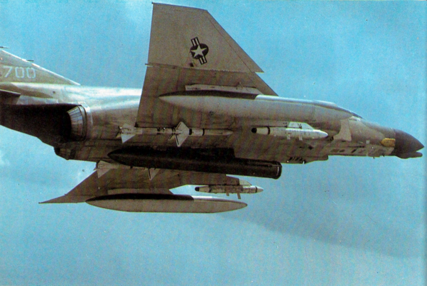 F-4D 13th TFS 432nd TRW with Pave Sword laser 1971.jpg