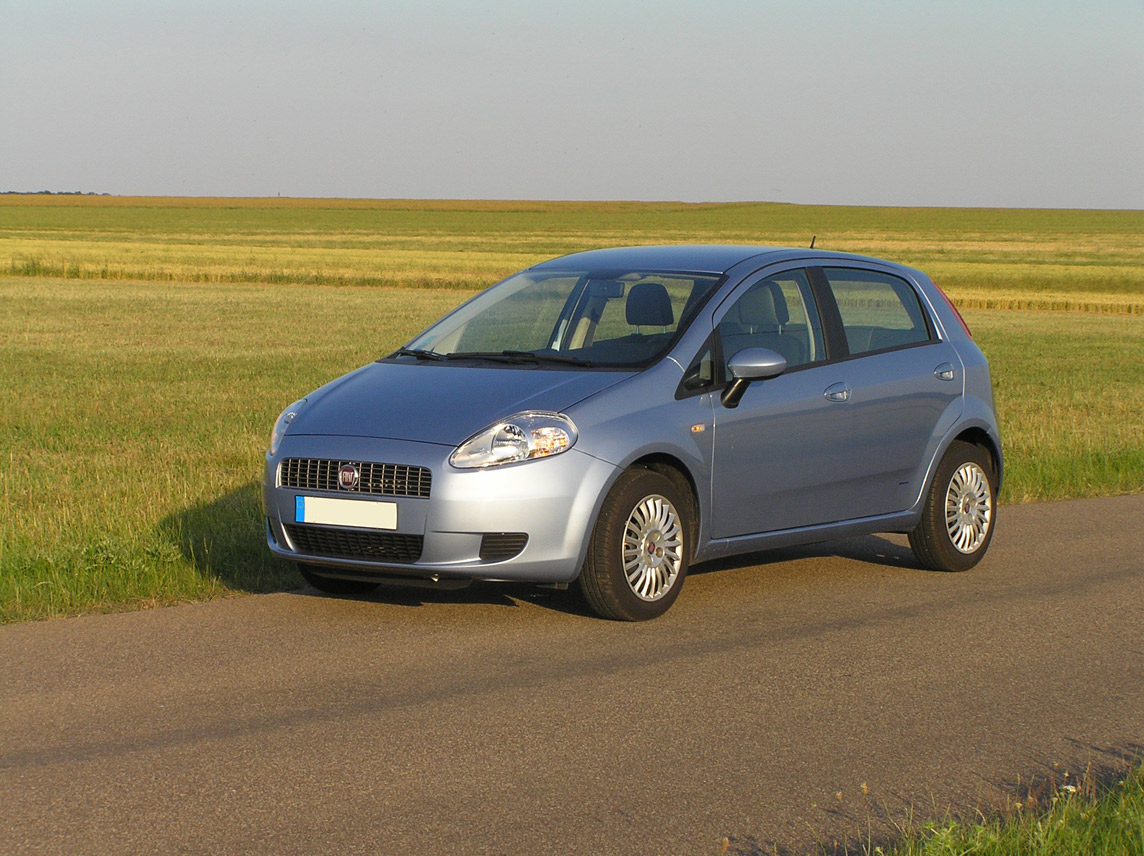 Px Fiat Seicento Sporting Front in addition Img Img E Fd Da D F further Px Fiat L C Adnea besides Fiat Grande Punto Abarth Custom Front Bumper Lip Spoiler Extension Diffuser together with Px Peugeot Bipper Front View. on fiat grande punto