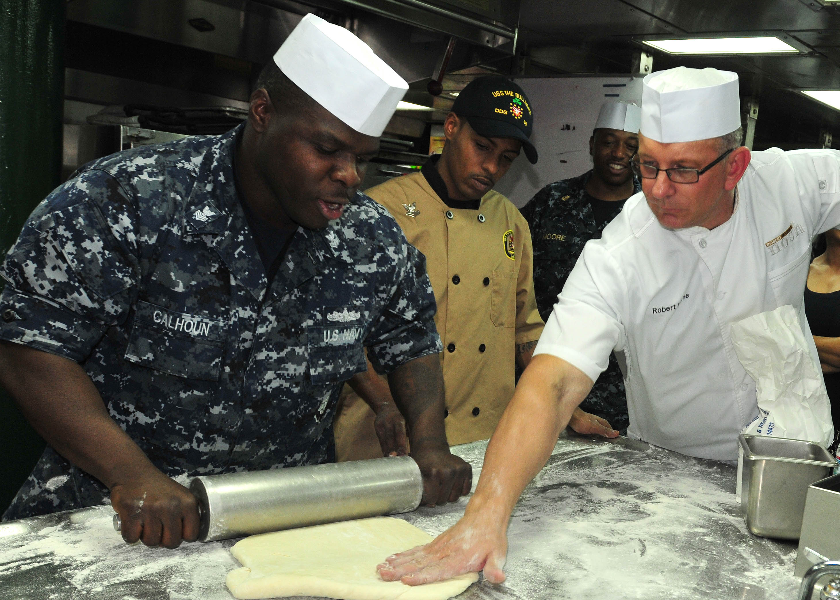 File:Flickr - Official U.S. Navy Imagery - Chef Robert Irvine ...