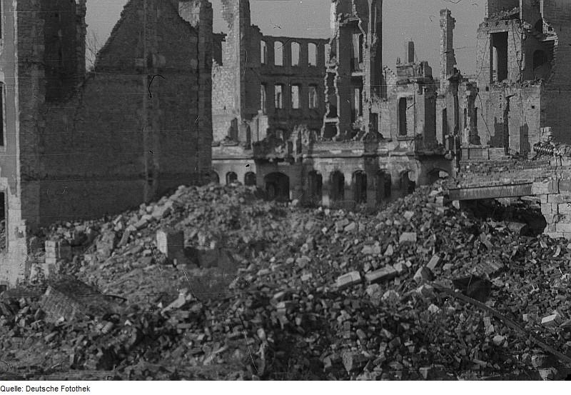 Architekturfotograf Dresden file fotothek df roe neg 0000059 002 dresdner stadtruinen jpg