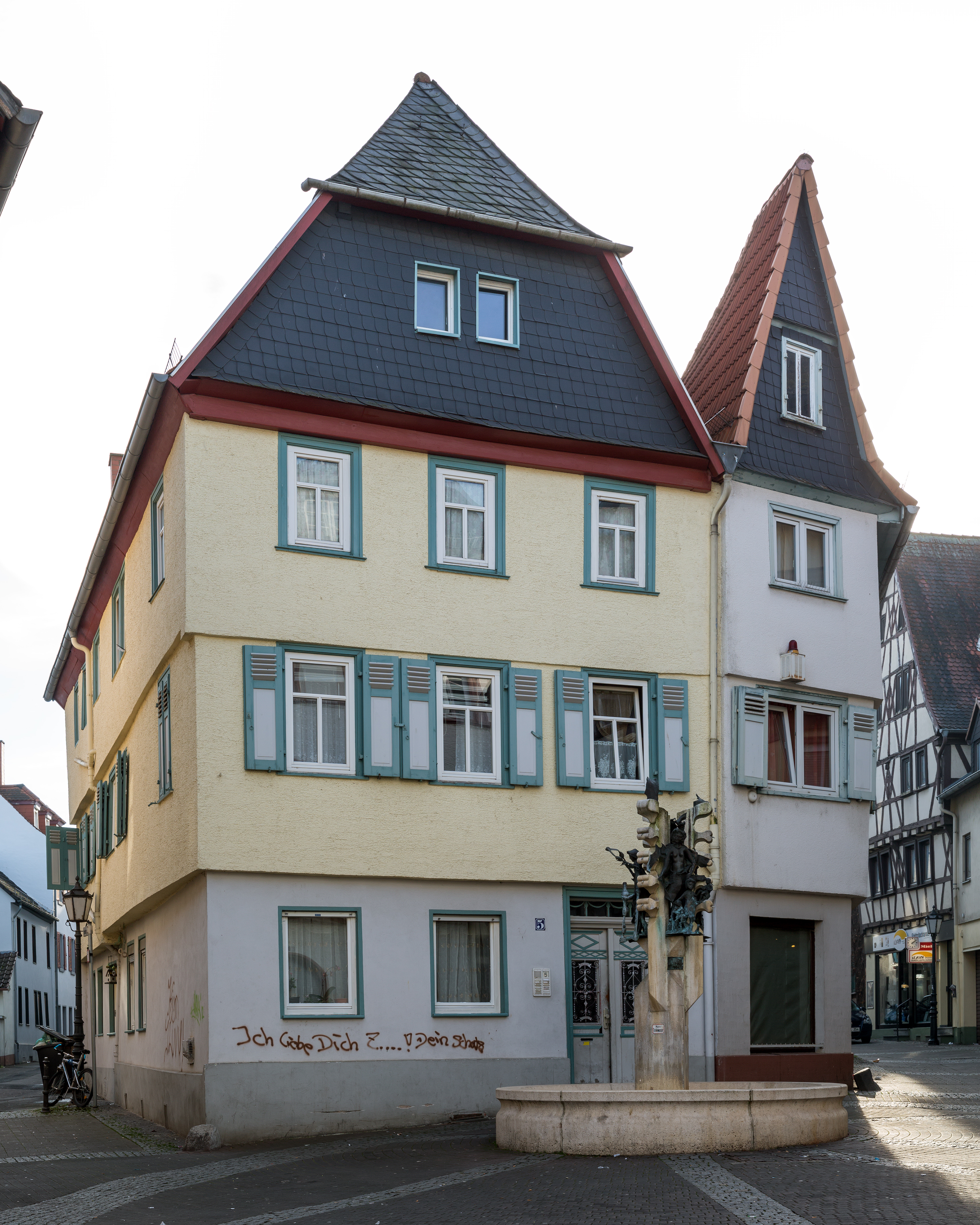 file friedberg hessen usagasse 5 von nordosten wikimedia commons. Black Bedroom Furniture Sets. Home Design Ideas