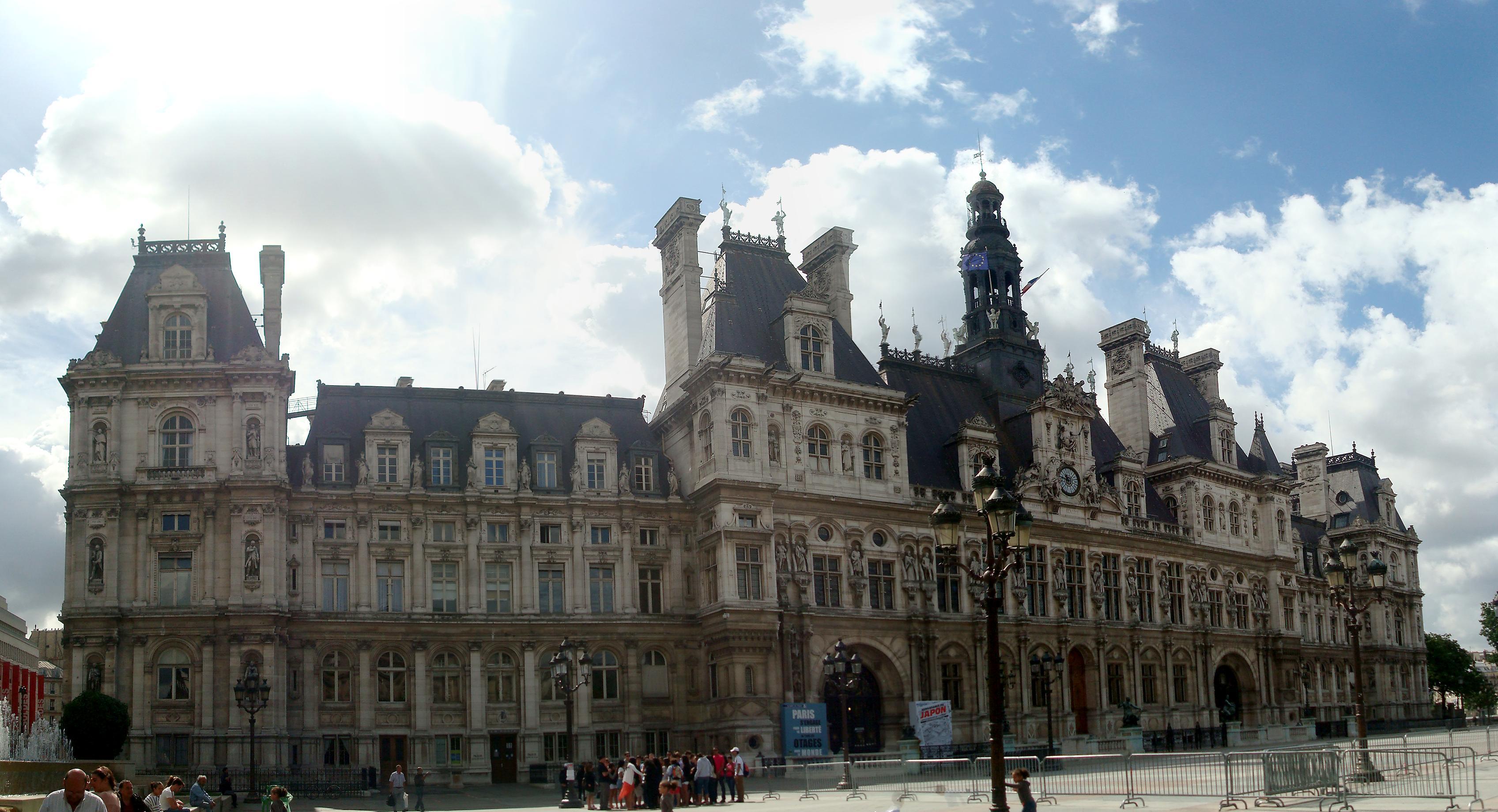 Place De L H Ef Bf Bdtel De Ville Paris  Paris Plage