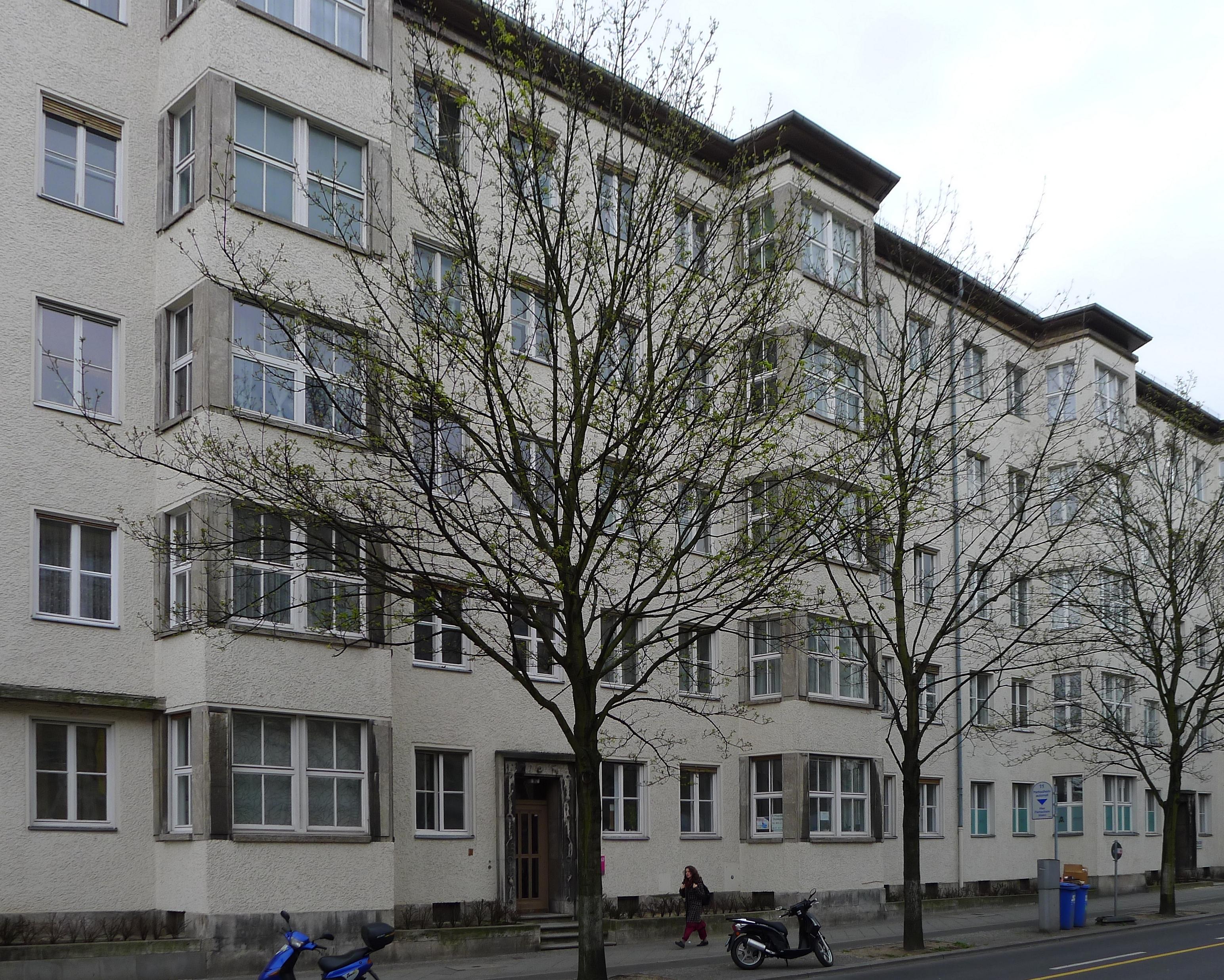File Hohenzollerndamm 181 182 Berlin