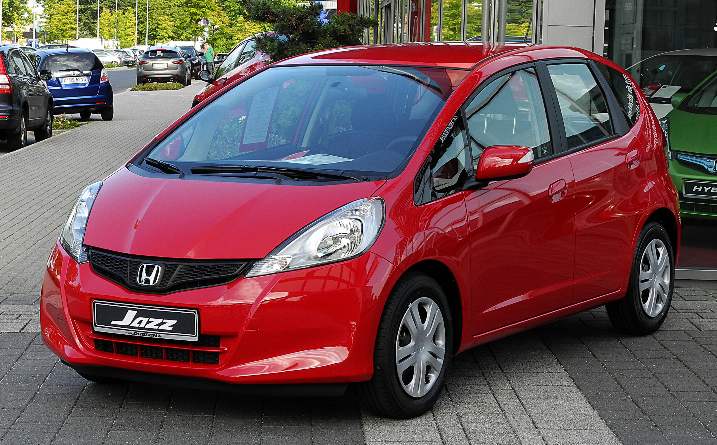 file honda jazz 1 4 i vtec trend iii facelift frontansicht 26 juni 2011 d. Black Bedroom Furniture Sets. Home Design Ideas