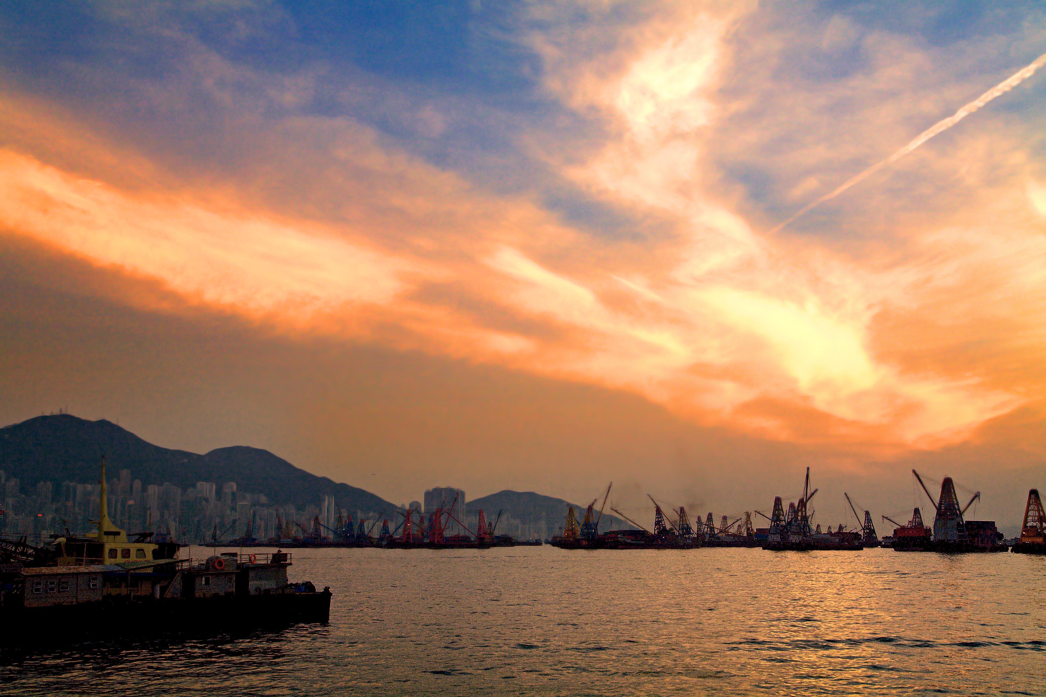 File:Hong Kong at Dusk (SKY-SUNSET) V (1671449228).jpg ...