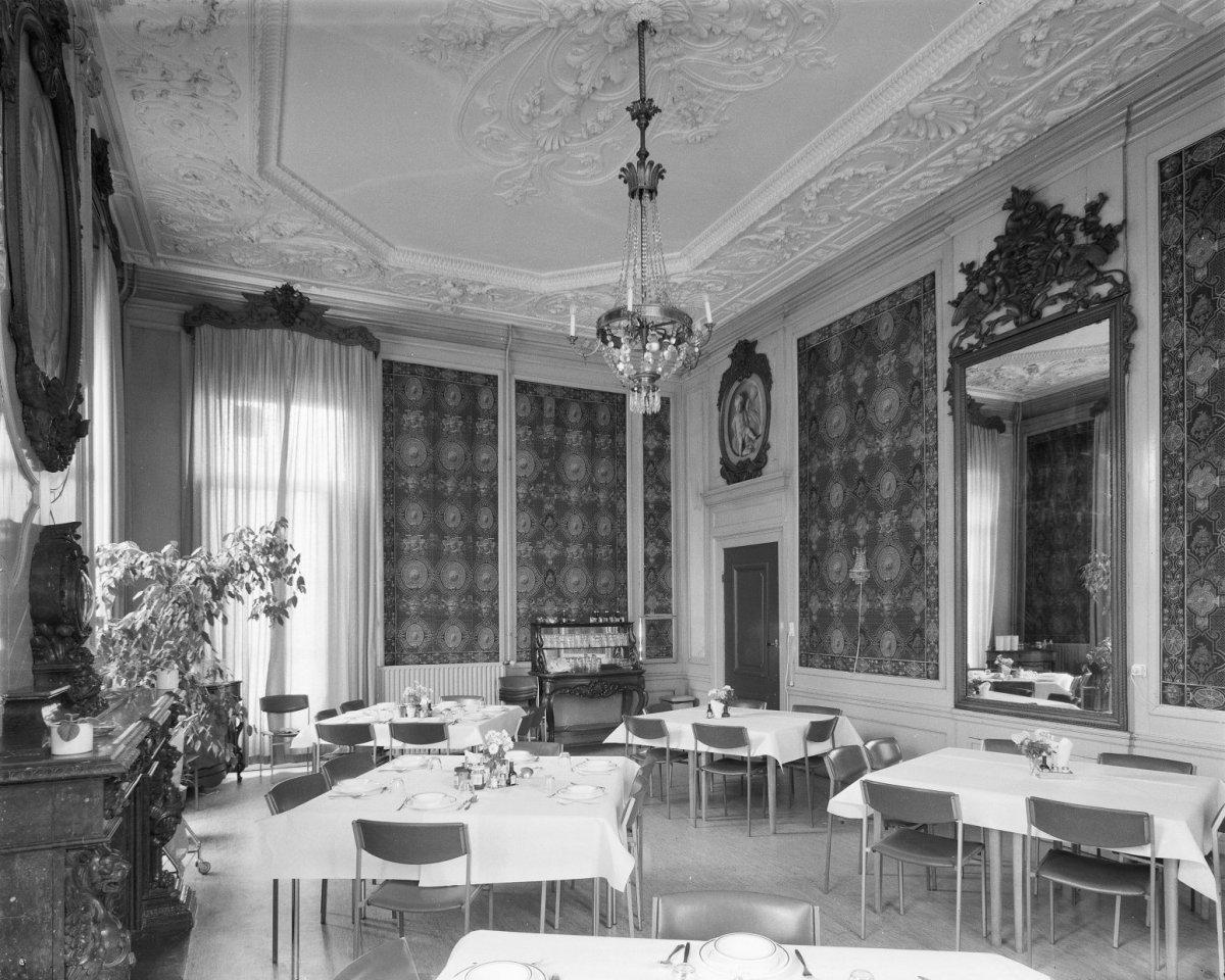 Datei interieur drakenzaal oegstgeest 20294007 rce for Interieur niederlande