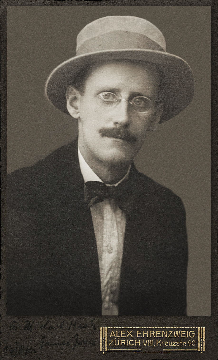 the two descriptions of gallantry by james joyce He has two sons, alan james, (with a grandson, james alexander)  who married peter barlow and has two children joyce margaret was born in 1928 at greenwich,.