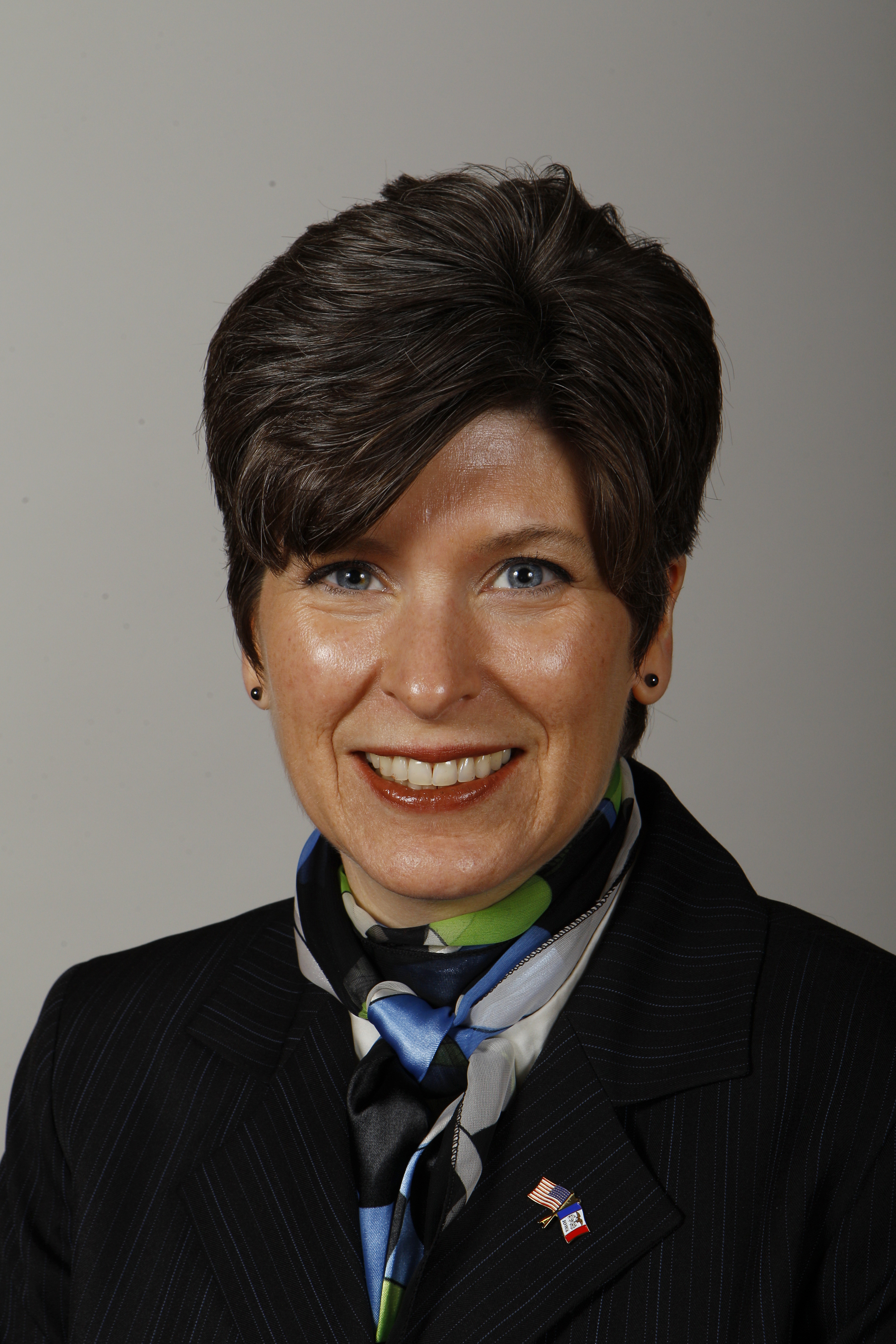 Joni Ernst - Official Portrait - 84th GA.jpg