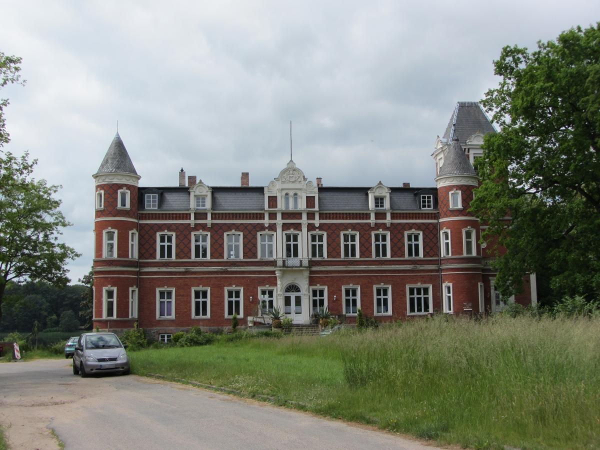 Klein Trebbow Herrenhaus 2014-06-01 8a.jpg