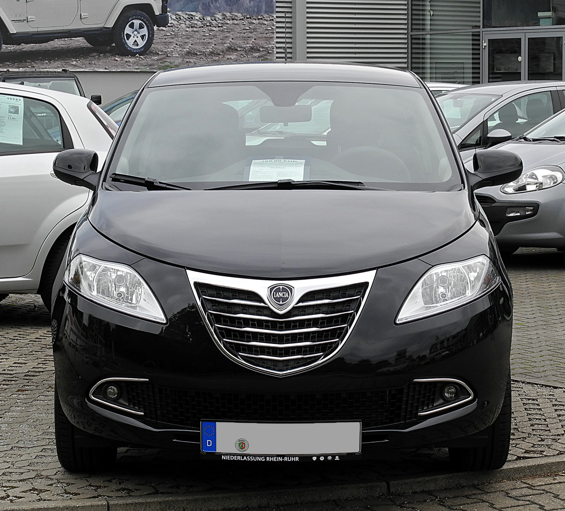 file lancia ypsilon 1 2 8v gold ii frontansicht 3 juli 2011 wikimedia commons. Black Bedroom Furniture Sets. Home Design Ideas
