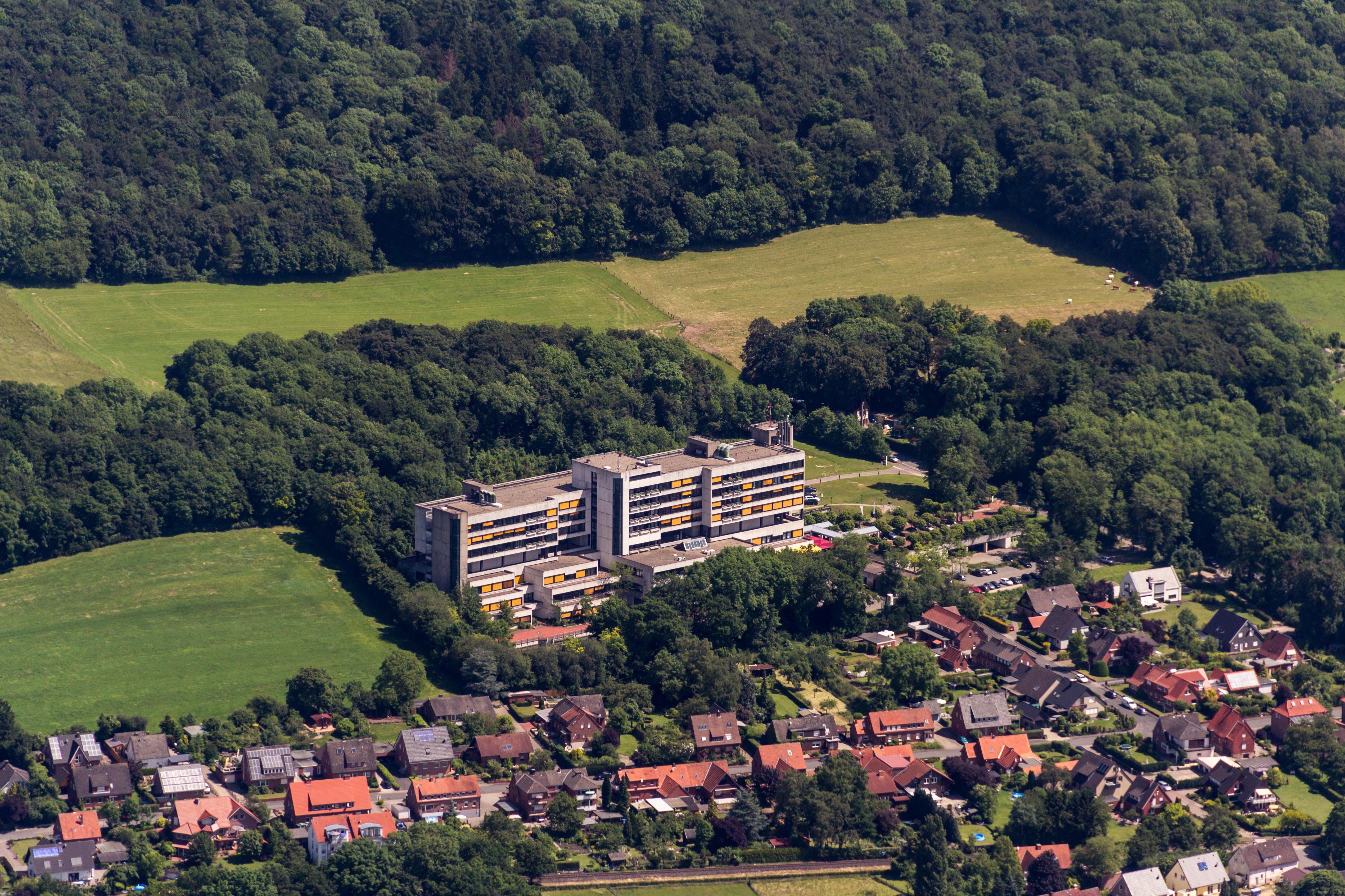 File:Lengerich, Helios-Klinik -- 2014 -- 9768.jpg - Wikimedia Commons