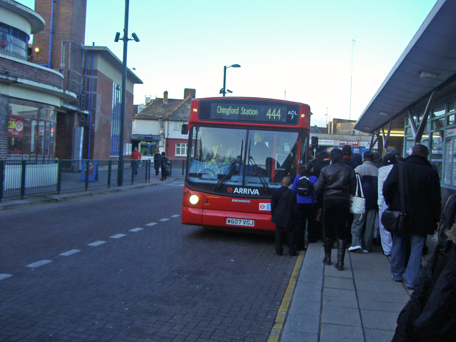 file london buses route 444 turnpike lane. Black Bedroom Furniture Sets. Home Design Ideas