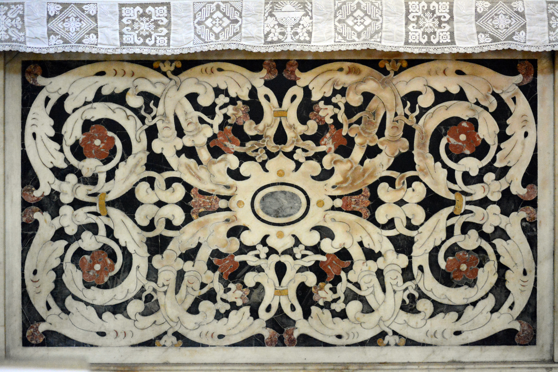 filemarqueterie de marbre dcor dautel chapelle intrieure cathdrale sainte rparate nice
