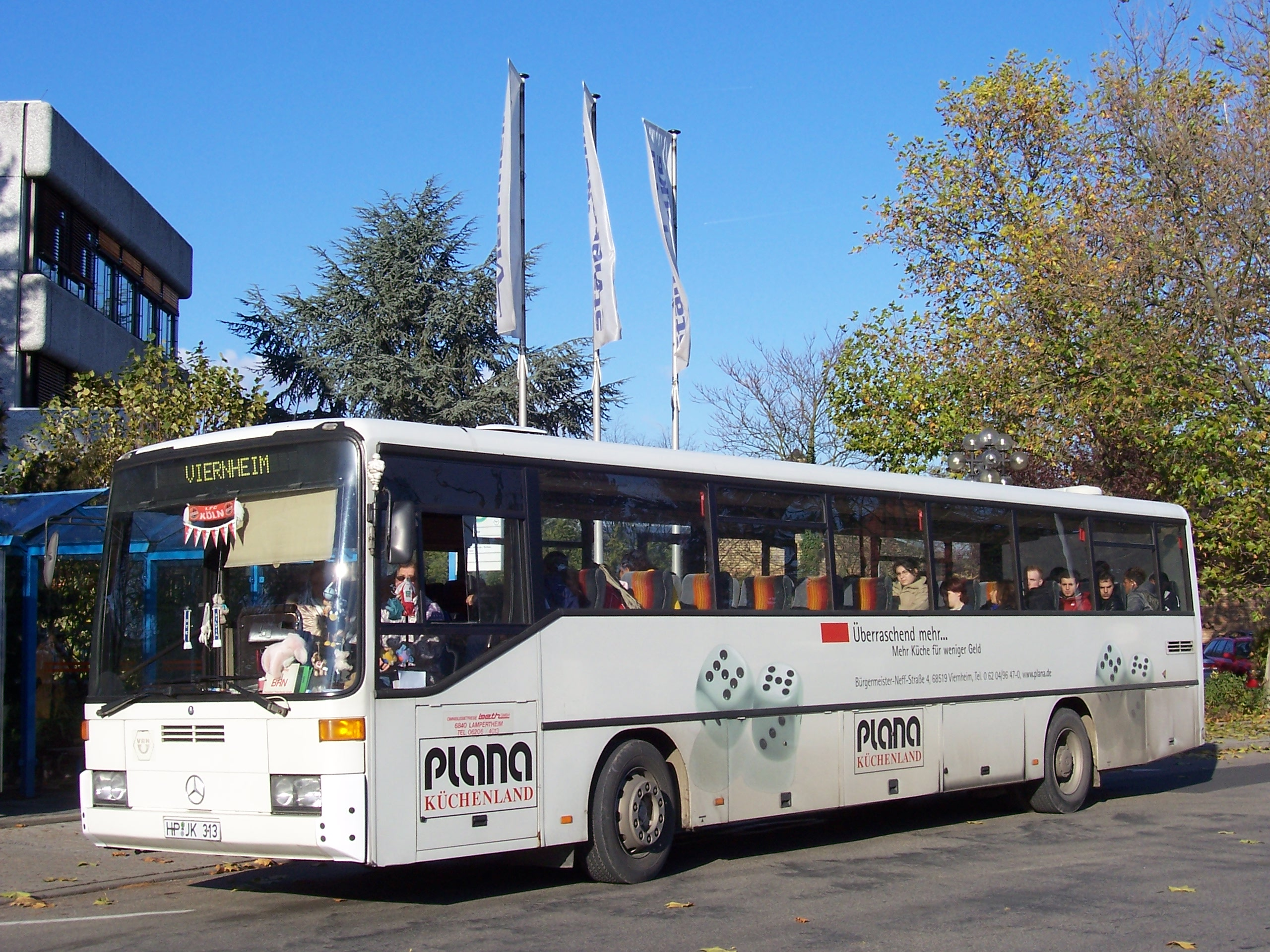 File:Mercedes-Benz O 408 bus 100 2692 jpg - Wikimedia Commons