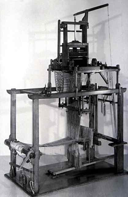 Machine a tisser automatique