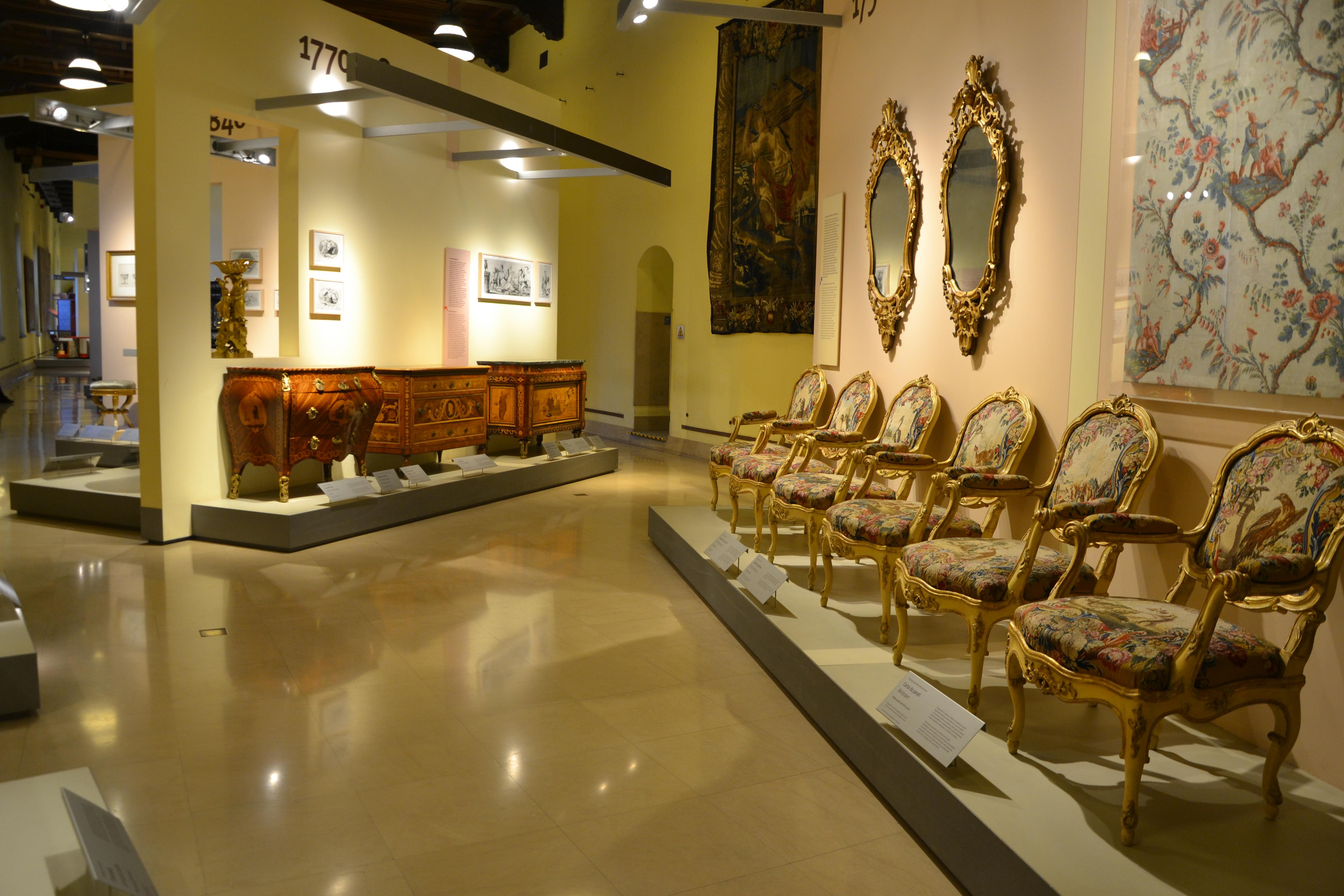 Museo dei mobili e delle sculture lignee - Wikipedia