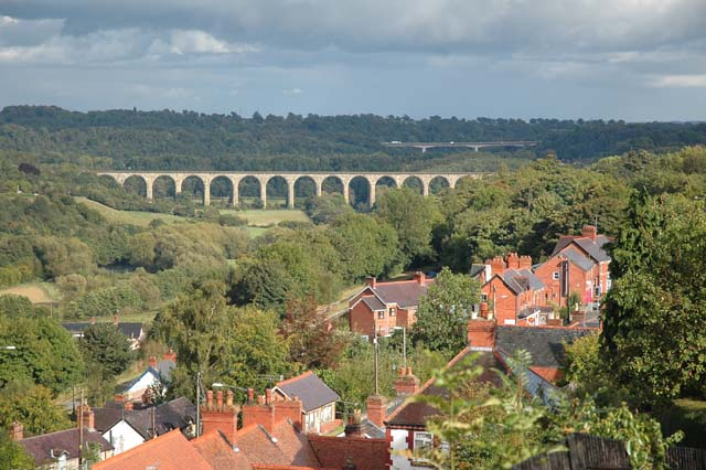 Newbridge Viaduct from Froncysyllte - geograph.org.uk - 759632