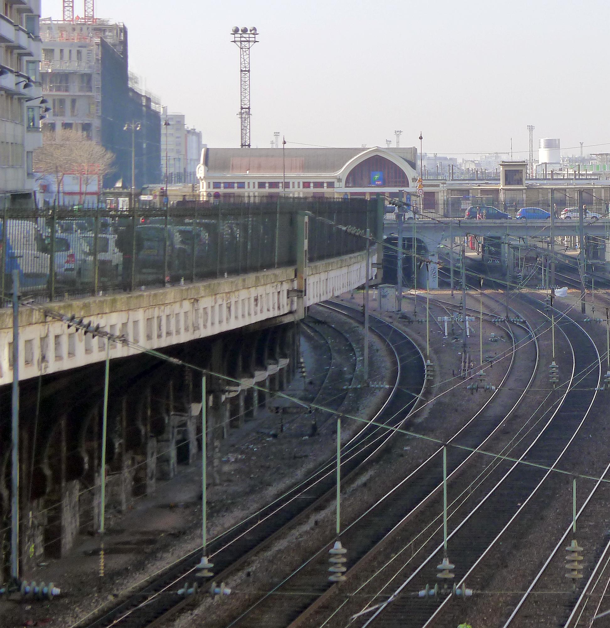 File:P1160925 Paris XVII rue de Rome gare de Pont-Cardinet rwk.jpg ...
