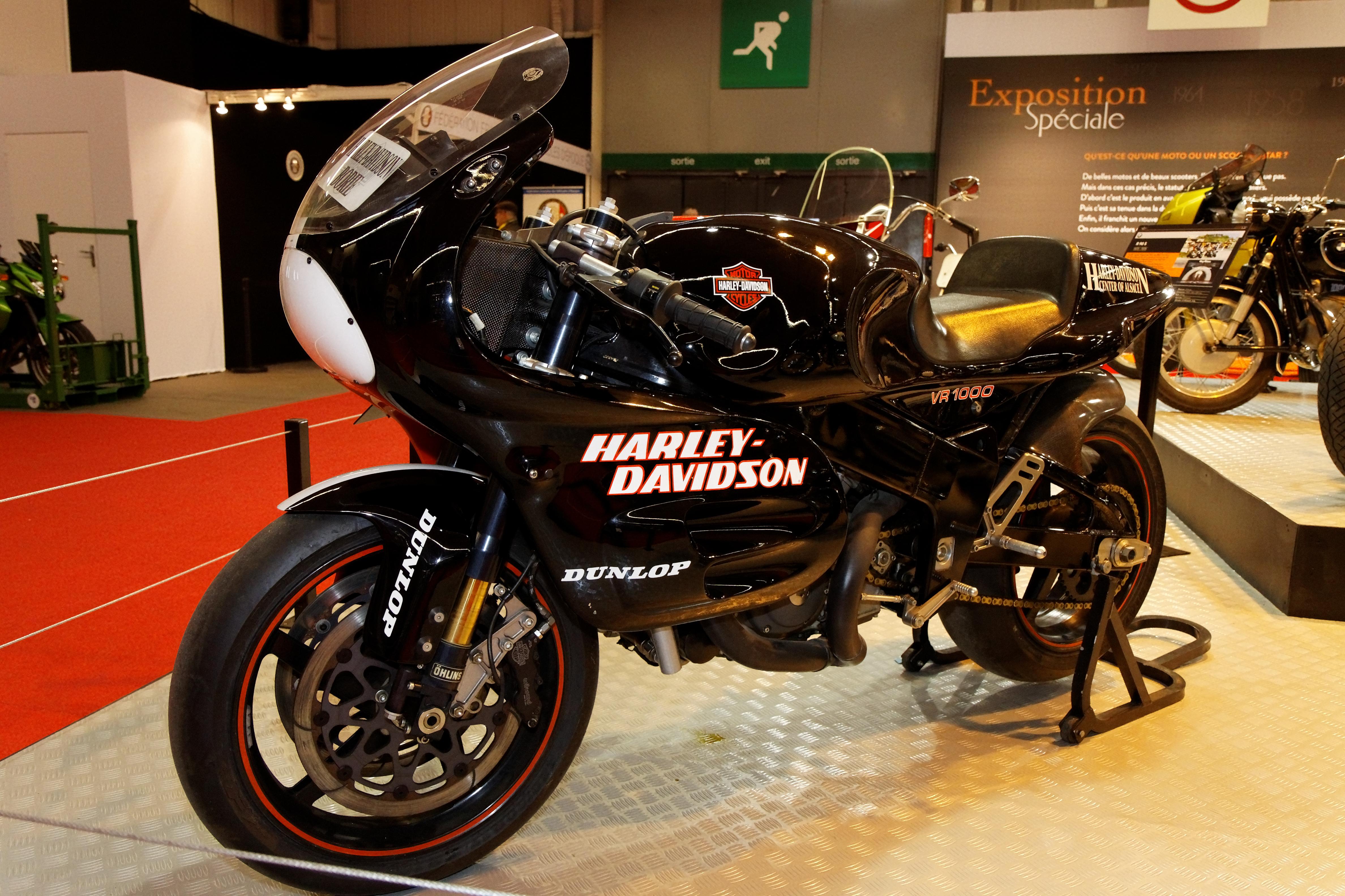 File:Paris - Salon de la moto 2011 - Harley-Davidson ...