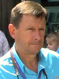 Paul Sherwen Squadra Flashing Pedals (cropped).jpg