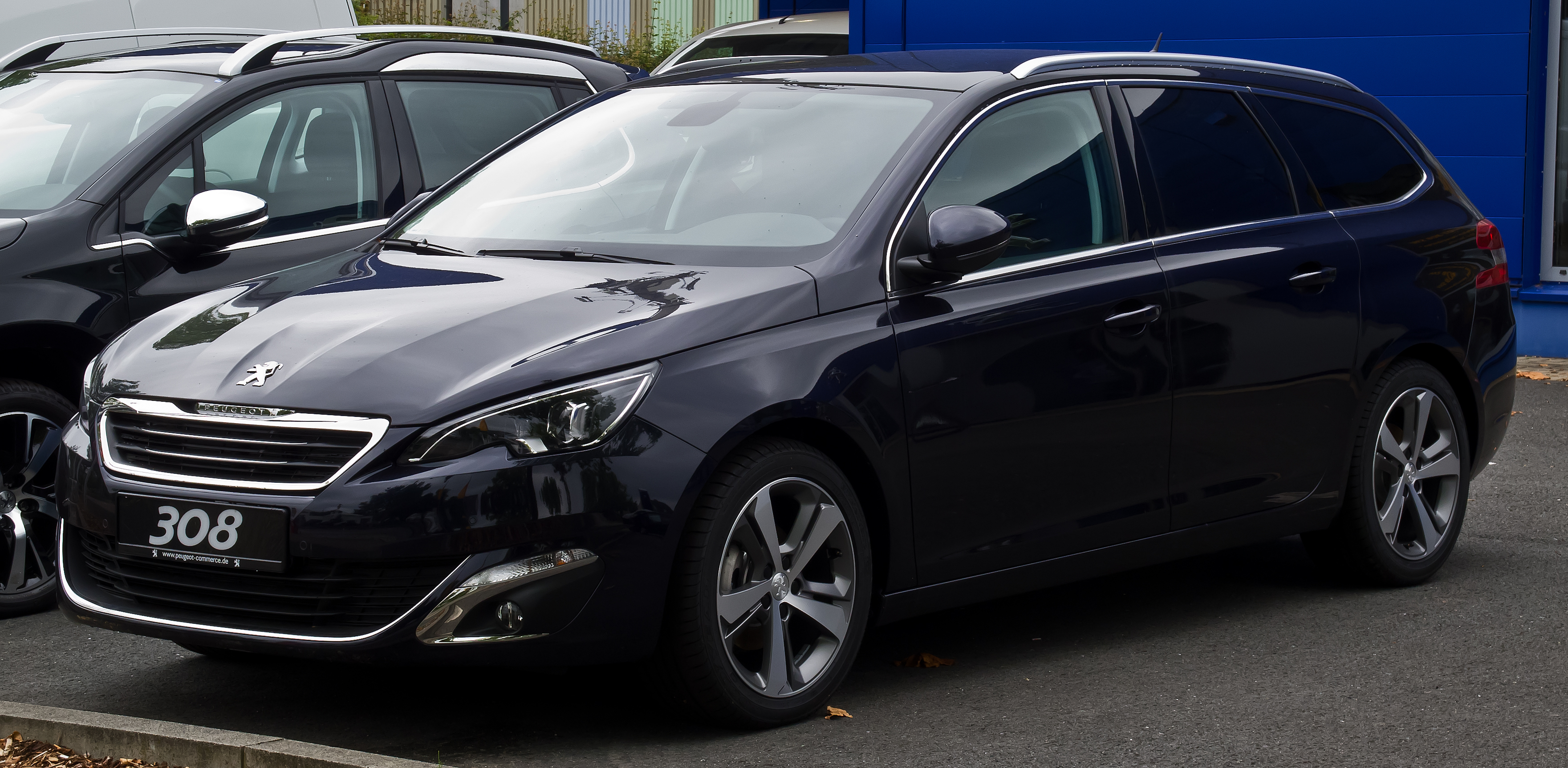 Description Peugeot 308 SW 130 e-THP STOP & START Allure (II ...