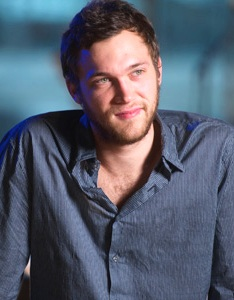 Phillip Phillips - 2017 Regular Brown hair & sexy hair style. Current length:  short hair
