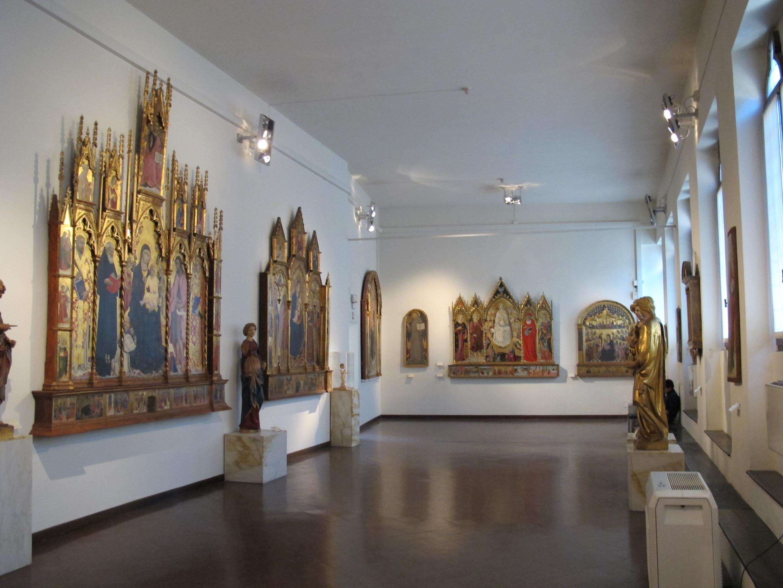 Pinacoteca nazionale di siena, una sala sul quattrocento.JPG