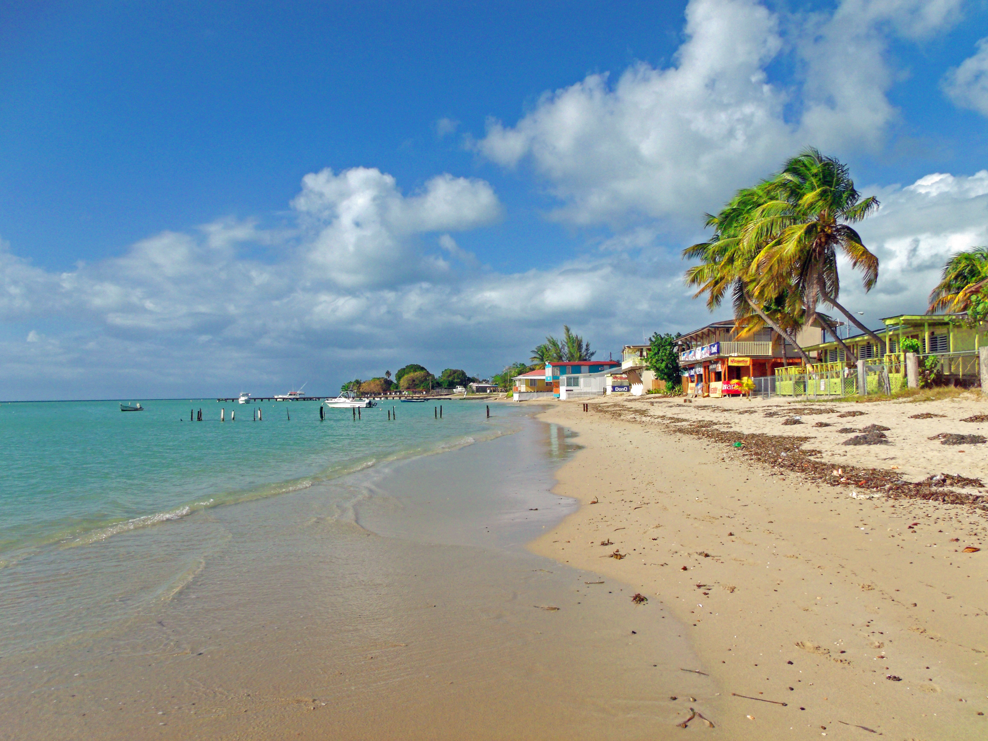 File playa el combate cabo wikimedia commons for Villas koralina combate cabo rojo