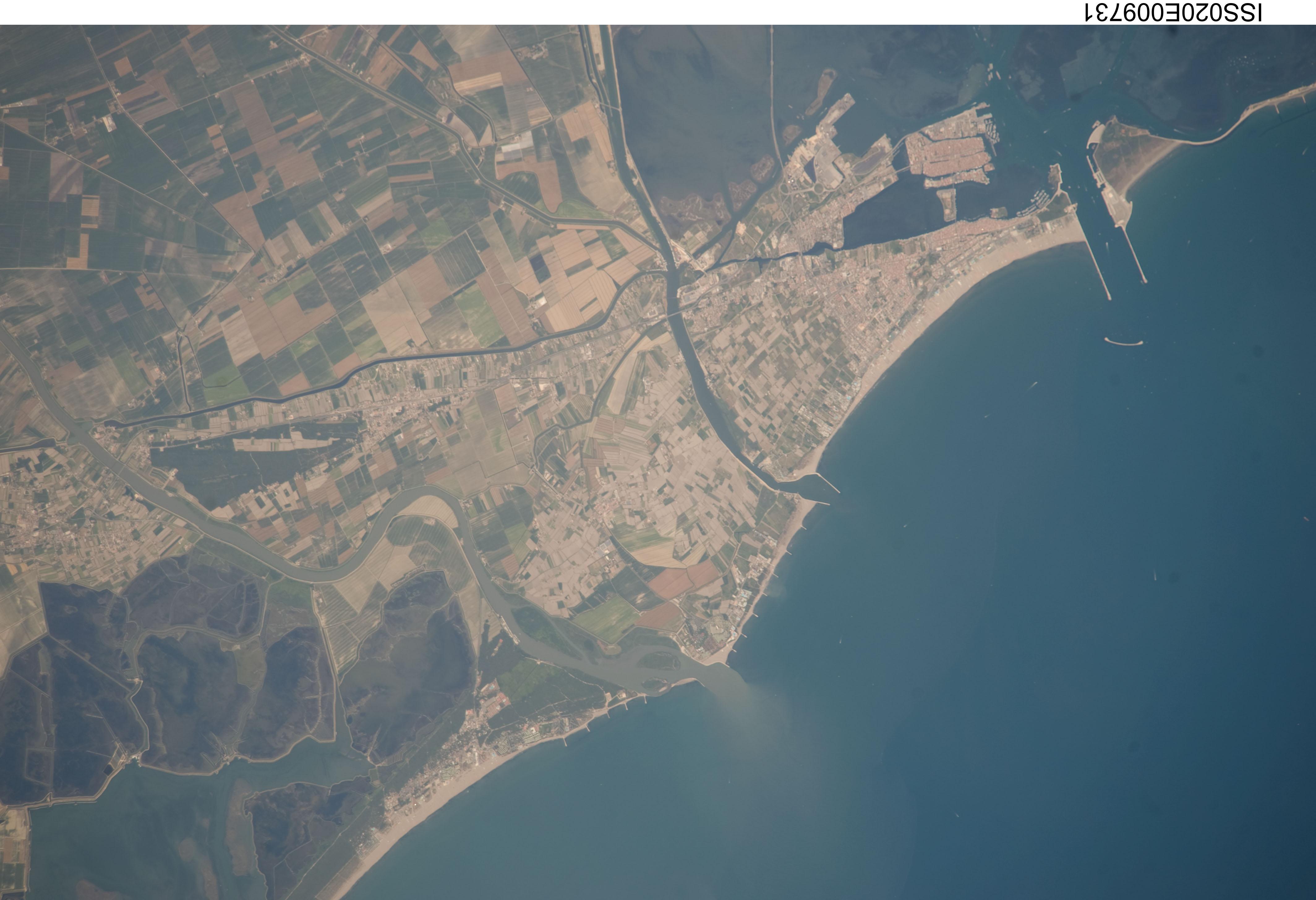 FilePo River Delta ISSEJPG Wikimedia Commons - Po river