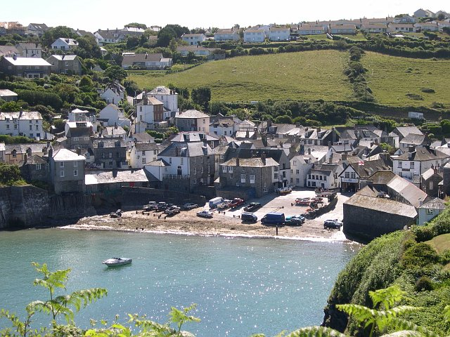 File:Port Isaac - geograph.org.uk - 105004.jpg