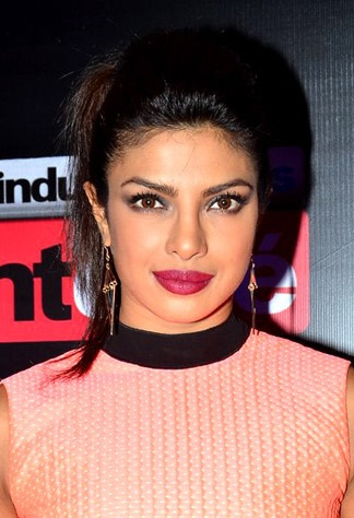 The 35-year old daughter of father Ashok Chopra and mother Madhu Chopra, 169 cm tall Priyanka Chopra in 2018 photo
