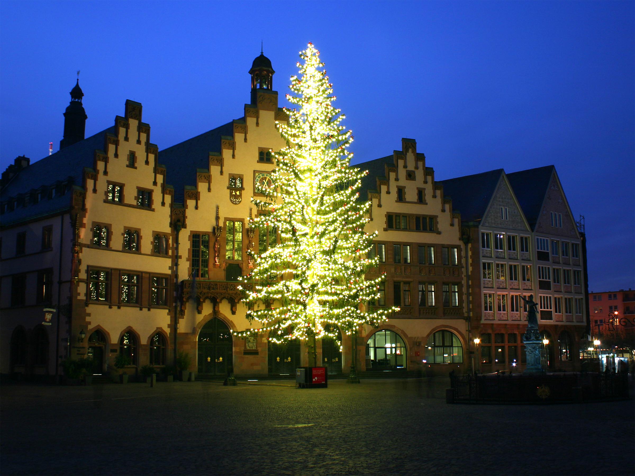 best 28 weihnachtsbaum frankfurt wo steht der gr 246. Black Bedroom Furniture Sets. Home Design Ideas