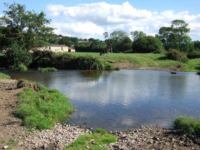 River Isle at Winterhay Farm - geograph.org.uk - 513269