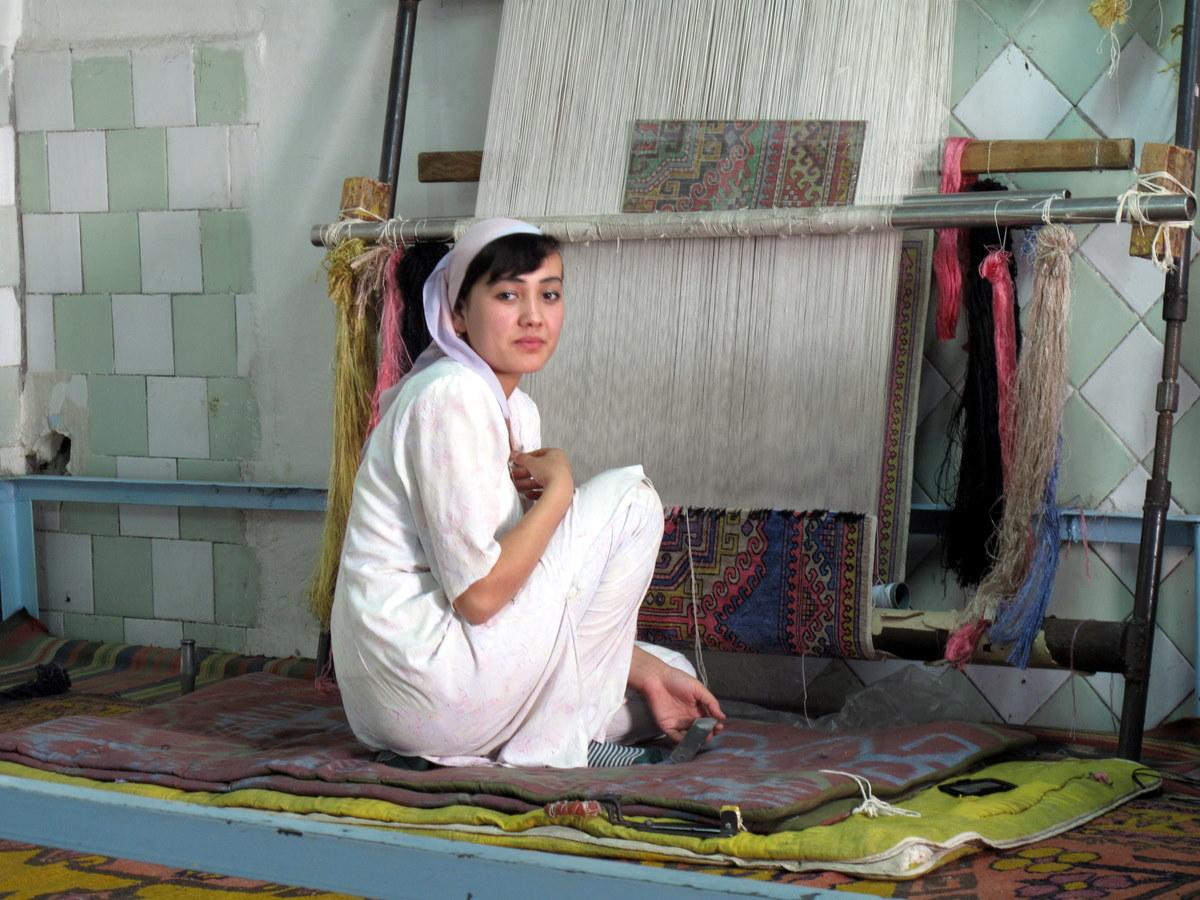 Carpet For Girls Room With Large Tassesl