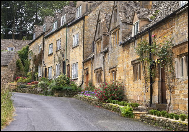 File:Stone Cottages facing the Village Church - geograph.org.uk - 1632420.jpg