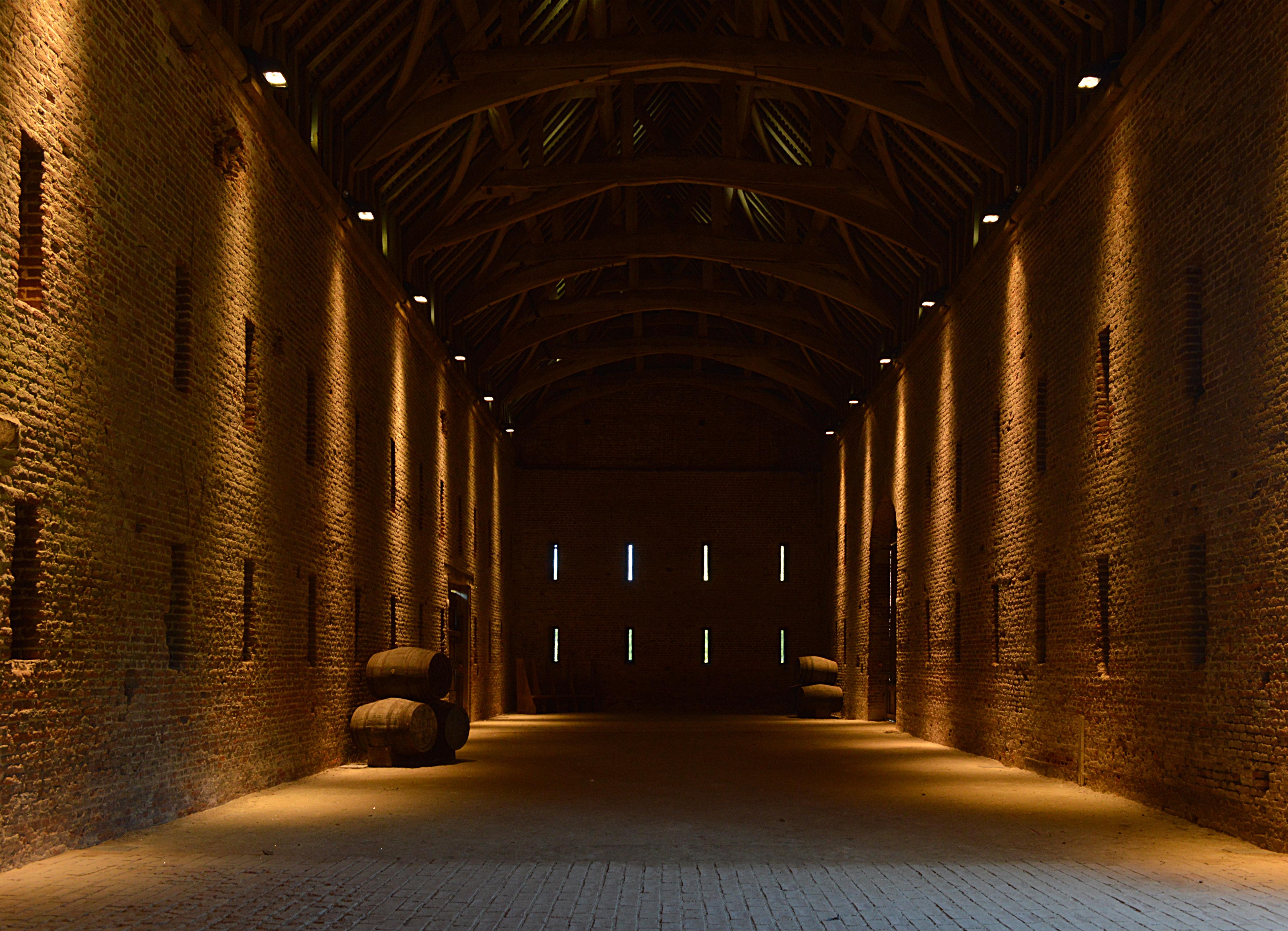 FileTithe Barn indoors.JPG & File:Tithe Barn indoors.JPG - Wikimedia Commons