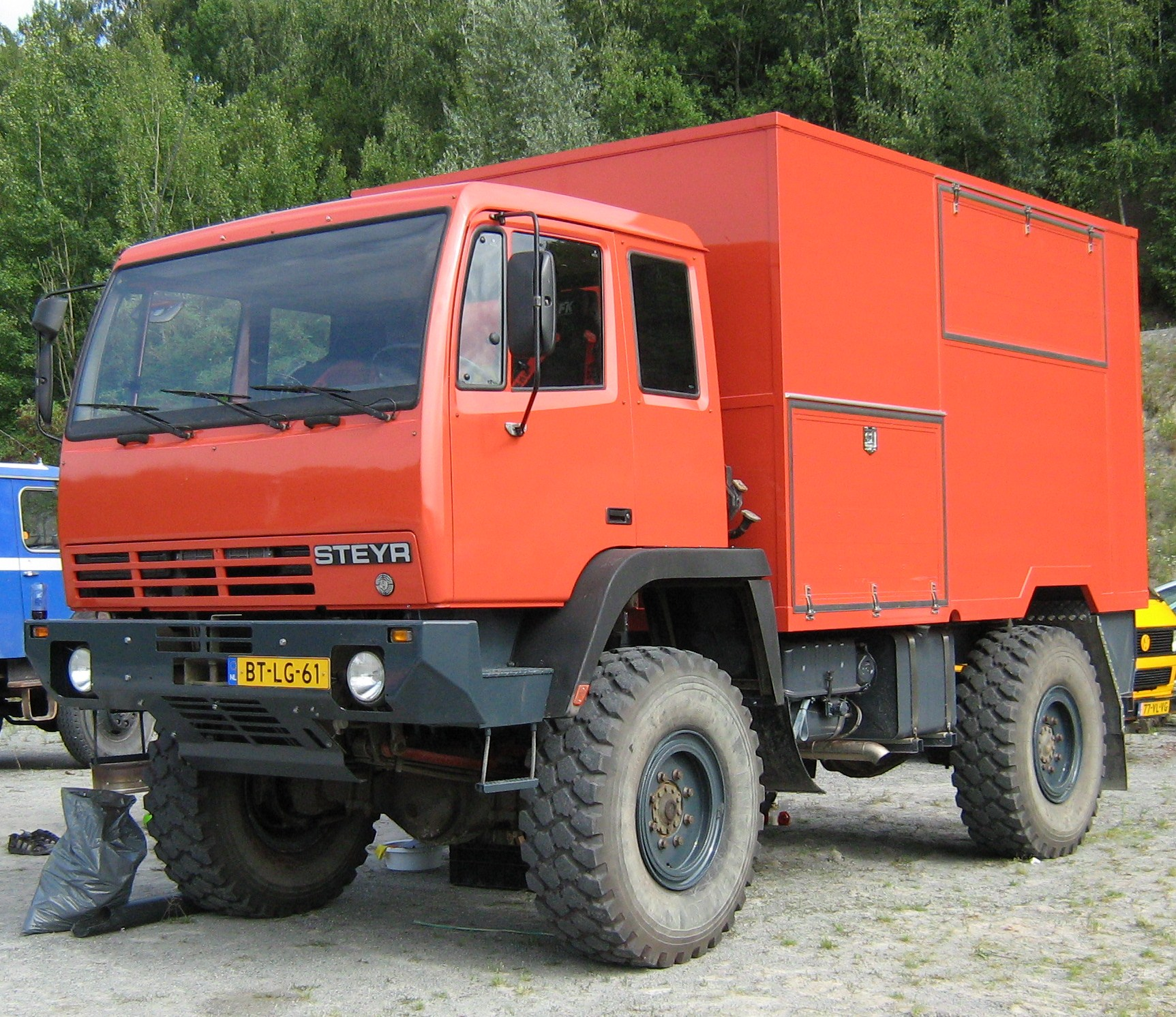 List of Synonyms and Antonyms of the Word: steyr trucks