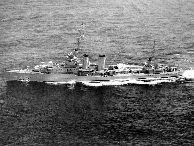USS_Farragut_(DD-348)_underway_at_sea_on