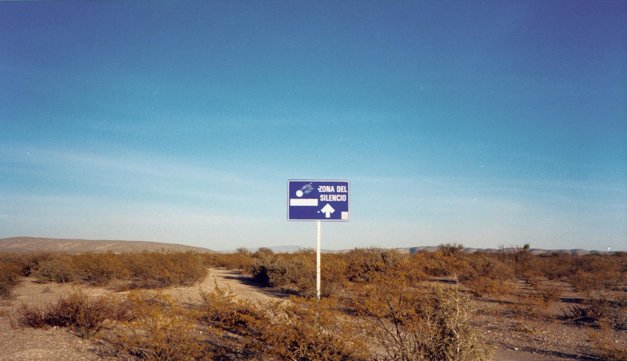 http://upload.wikimedia.org/wikipedia/commons/e/ef/Zona-del-Silencio.jpg