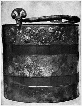1911 Britannica-Archaeology-Bronze bucket.png