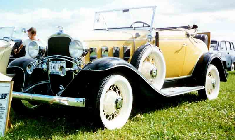 1932 Chevrolet Cabriolet for Sale http://commons.wikimedia.org/wiki/File:1932_Chevrolet_Confederate_BA_De_Luxe_Convertible_Coupe_1932_END.jpg
