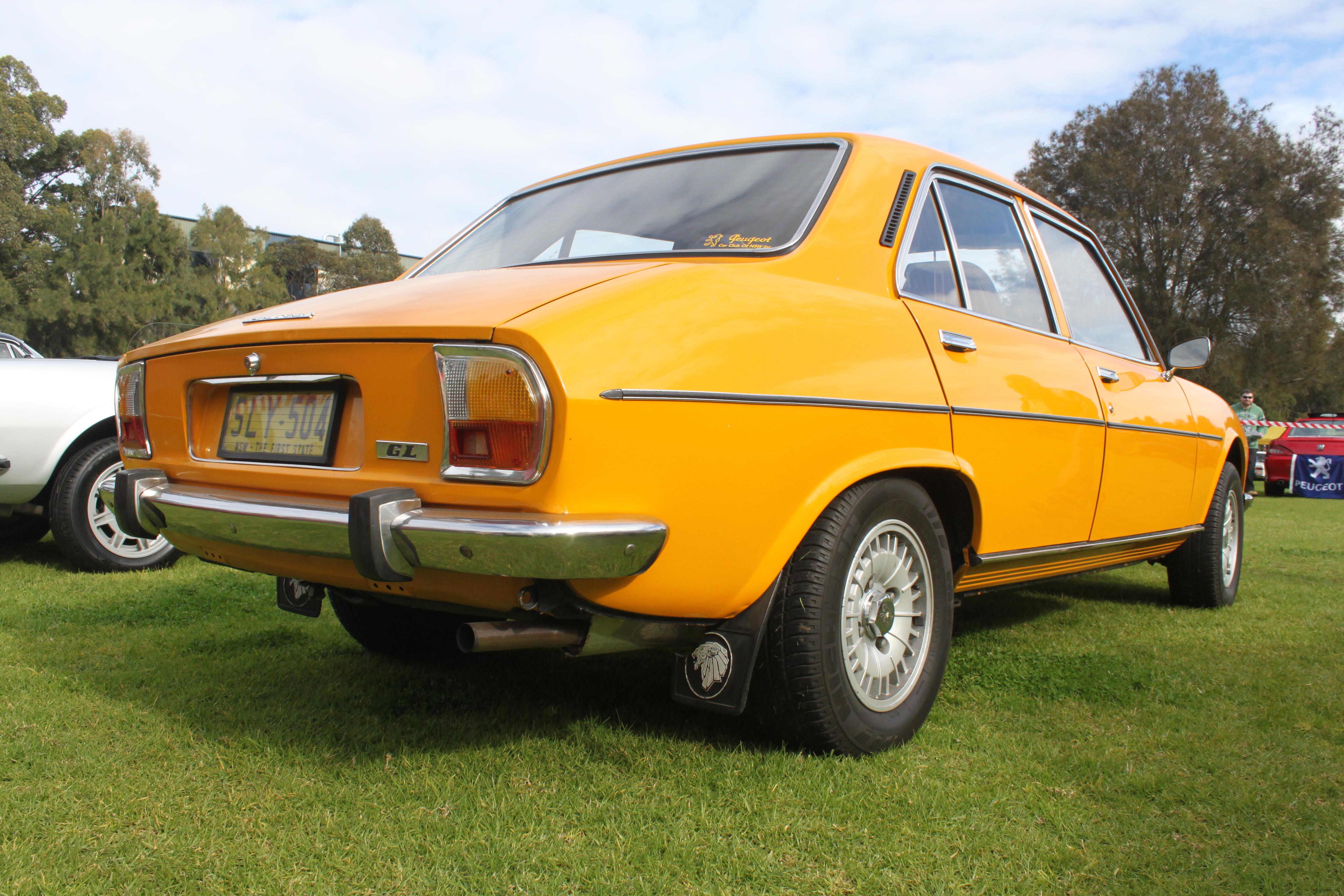 file:1975 peugeot 504 gl sedan (19583316199) - wikimedia commons