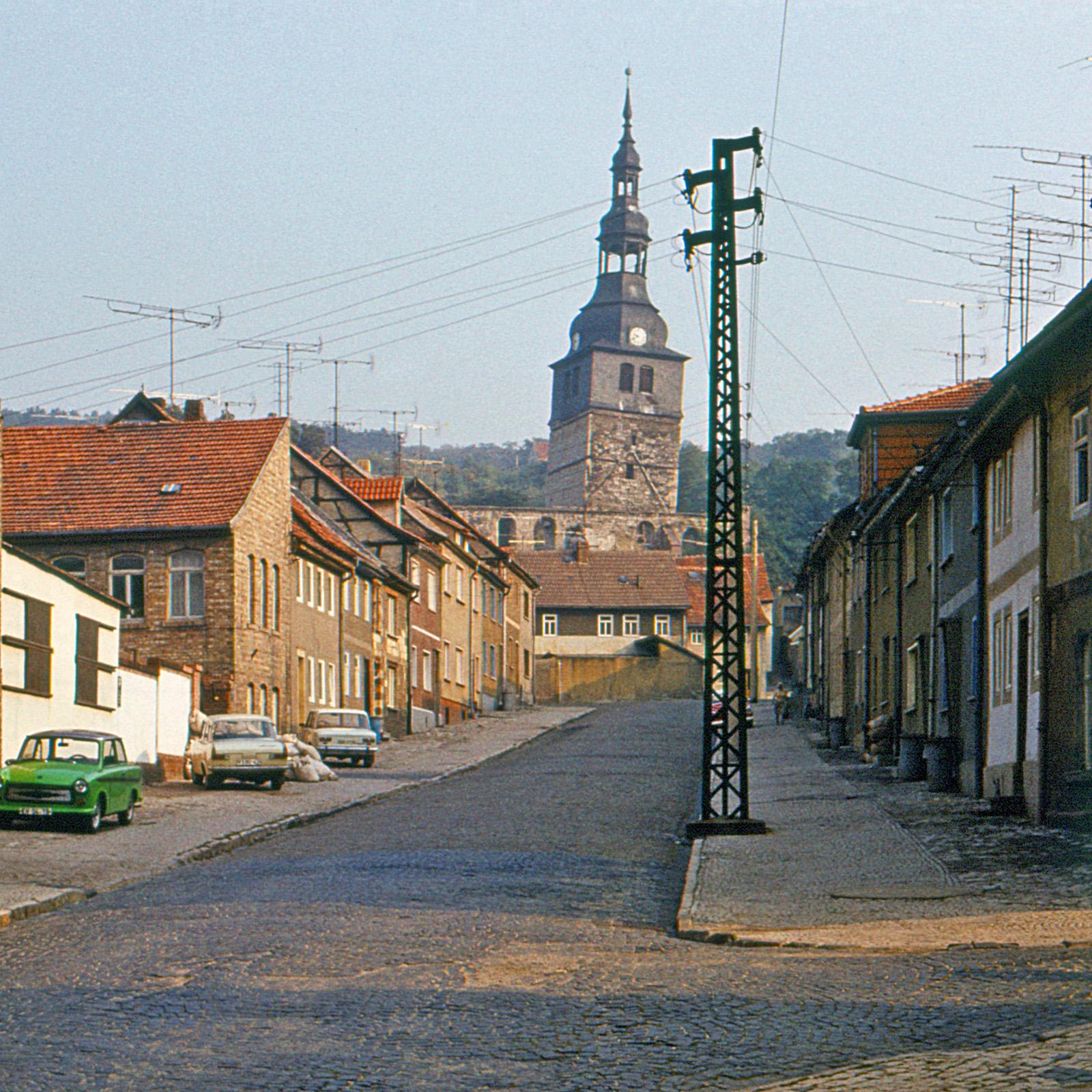 File:1982-09 Bad Frankenhausen-Bornstraße, evangelische